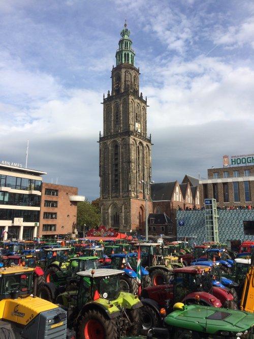 Foto van het boerenprotest in Groningen - Trots op deze boeren!! Boeren blijven broodnodig!. Geplaatst door Rozema op 14-10-2019 om 13:33:16, met 4 reacties.