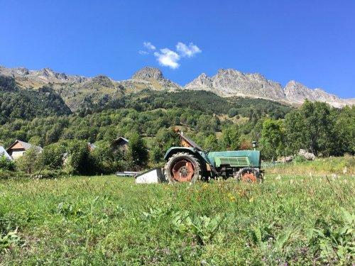 Een Fendt Farmer ergens in het mooie Oostenrijk. Type weet ik verder niet.. Geplaatst door 16045HSX op 27-02-2020 om 21:03:36, met 8 reacties.