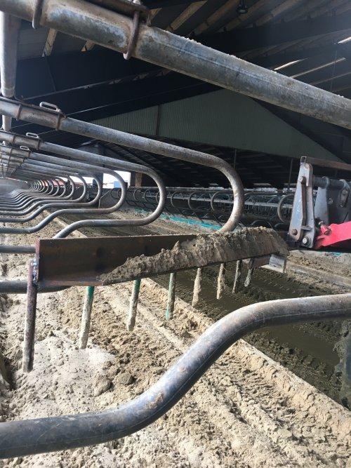 Foto van een Onbekend eigenbouw, harkje gelast om de boxen te vlakken. Geplaatst door rubencasecs op 12-06-2020 om 08:12:03, met 2 reacties.
