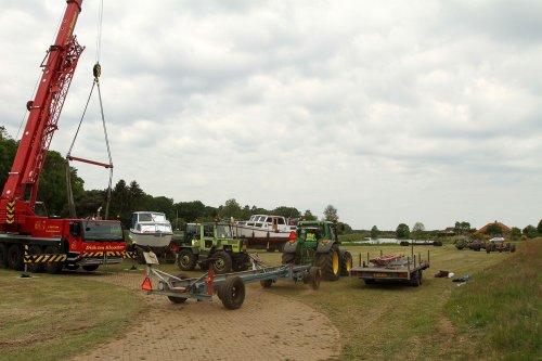 Foto van een JD 6200 en MB (diverse merken). Geplaatst door A.H.S. op 14-06-2020 om 22:10:49, op TractorFan.nl - de nummer 1 tractor foto website.