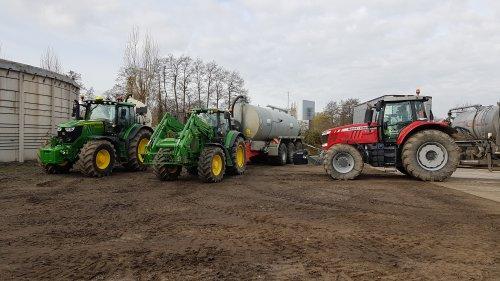 Hier zie je Maatschap Beulink (Velswijk) &, Meiland Azewijn (Azewijn)  Vandaag een paar vruchtjes mest gehaald bij @Joozt op het werk