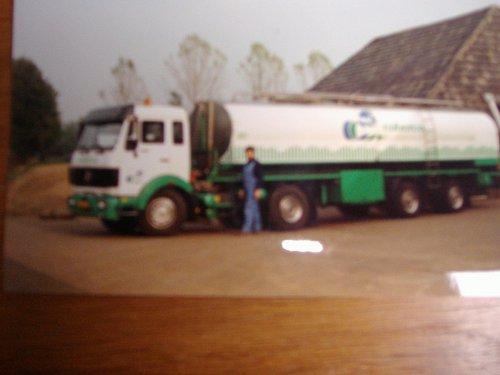 vrachtwagen Mercedes Wallpaper