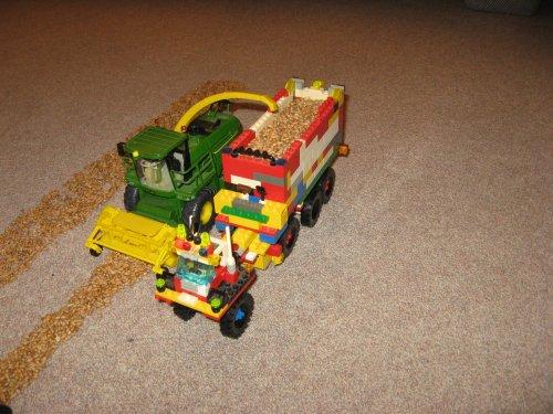 Onbekend Lego tractor. van John Deere 6600