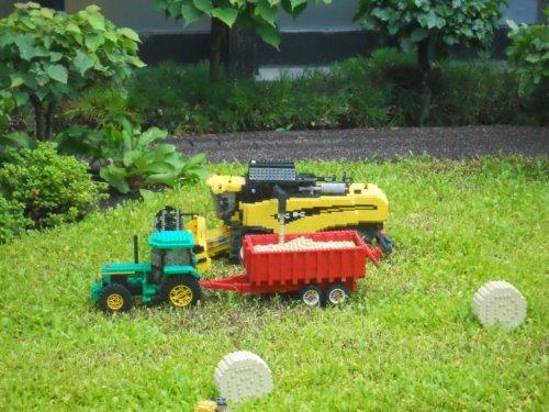 Onbekend Lego tractor. Wallpaper
