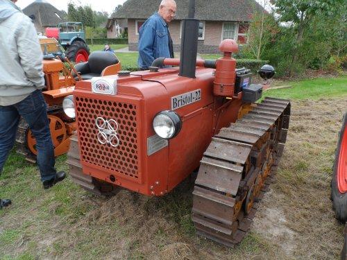 Foto van een Onbekend Tractor, bezig met poseren.. Geplaatst door auke506 op 28-09-2013 om 16:04:41, met 7 reacties.