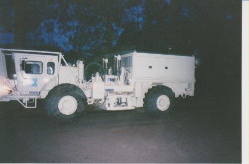Mertz Seismic Vehicle M18-612 van radium45