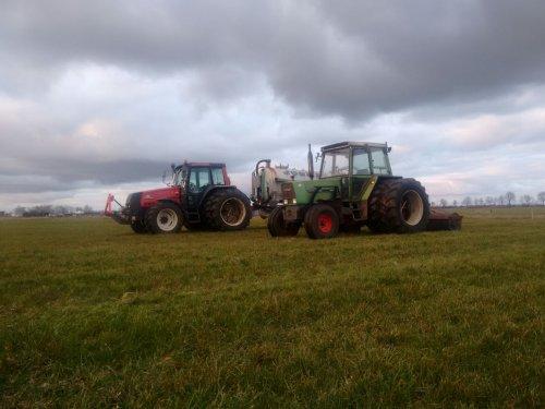 Een Valtra 6400 met Joskin tank en een Fendt 308 LS met een landrol. Geplaatst door dirkaa op 05-04-2016 om 20:33:06, op TractorFan.nl - de nummer 1 tractor foto website.