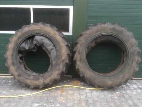 Foto van een Onderdelen Wielen en banden voor topic [@sikuman]. Geplaatst door Interford op 18-03-2016 om 11:58:43, op TractorFan.nl - de nummer 1 tractor foto website.