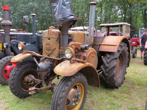 Foto van een Pampa Gloeikop   , oldtimerdag Itterbeck 17-06-2018. Geplaatst door oldtimergek op 16-07-2018 om 23:25:51, op TractorFan.nl - de nummer 1 tractor foto website.