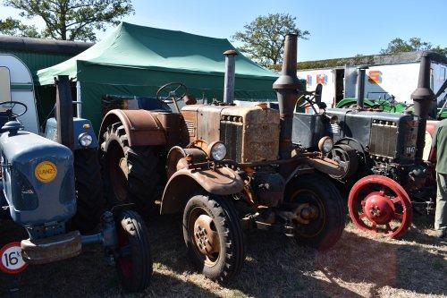 Foto van een Pampa T01. Geplaatst door jordi 1455 op 11-10-2019 om 18:10:10, op TractorFan.nl - de nummer 1 tractor foto website.