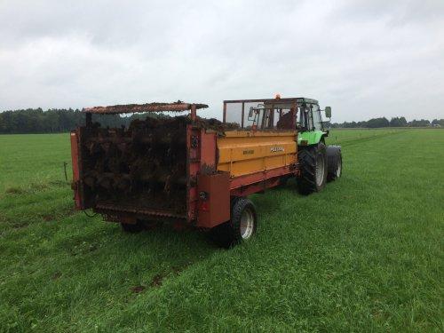 Foto van een Peecon meststrooier,  Werkend! Project op een veiling gekocht, nieuwe bodem, nieuwe nestwielen, nieuwe onderste wals en heelwat nieuwe lagers verder, en de nodige uurtjes... blij met t resultaat :)
