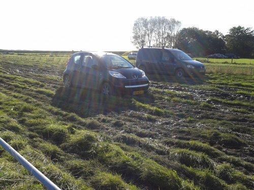 Peugeot 107 van vastgereden