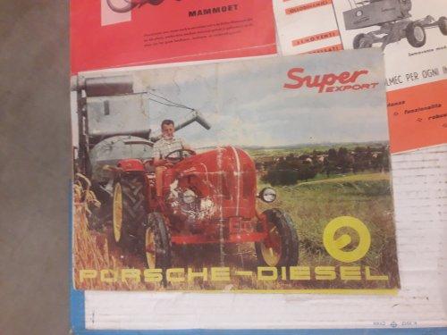 Foto van een folder van een Porsche Super Export.deze folder was te koop,vraagprijs 150 euro in eerder slechte staat, was al eens in 4 gevouwen en nat geweest.voor mij veel te duur,toch kom ik dit soort prijzen wel meer tegen.zijn er mensen die hier meer over weten,wat is zo'n folder nog waard?