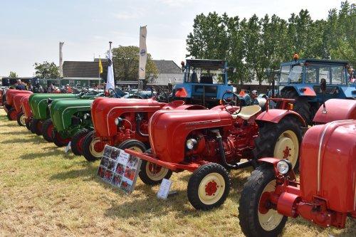Foto van een Porsche Standard. Geplaatst door jordi 1455 op 08-06-2019 om 19:02:34, op TractorFan.nl - de nummer 1 tractor foto website.