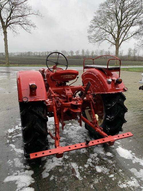 Foto van een Porsche Standard 218. Geplaatst door Turbo300 op 02-02-2020 om 22:09:37, op TractorFan.nl - de nummer 1 tractor foto website.