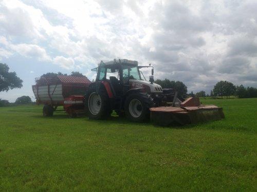 Foto van een Pottinger silo profi. En we zijn weer begonnen met stalvoeren.. Geplaatst door Baltus_steyr op 10-08-2019 om 14:10:11, op TractorFan.nl - de nummer 1 tractor foto website.