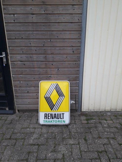 Renault Merchandise  van RPCounty
