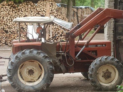 Renault 651-4 van GROENEDEERE