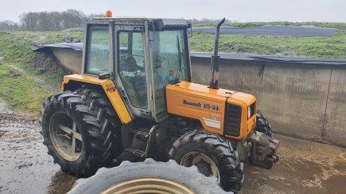 Foto van een Renault 85-34 TX. Geplaatst door tim-klok op 16-02-2020 om 11:51:19, op TractorFan.nl - de nummer 1 tractor foto website.