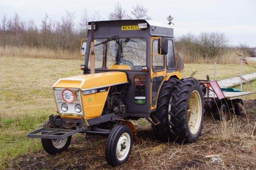 Foto van een Renault 56. Geplaatst door jans-eising op 08-03-2020 om 16:20:58, op TractorFan.nl - de nummer 1 tractor foto website.