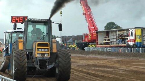 Foto van een Renault 145-14 tz 16. Geplaatst door hilbertvdberg op 11-05-2020 om 18:15:23, op TractorFan.nl - de nummer 1 tractor foto website.