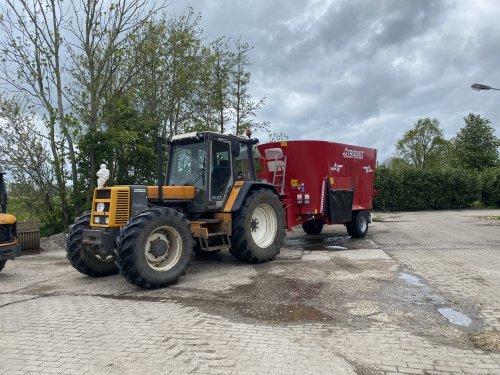 Foto van een Renault 145-14. Geplaatst door langeniebange op 22-05-2021 om 17:06:57, op TractorFan.nl - de nummer 1 tractor foto website.