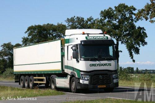 Foto van een Renault T-serie.. Geplaatst door Alex Miedema op 26-08-2014 om 17:00:29, op TractorFan.nl - de nummer 1 tractor foto website.