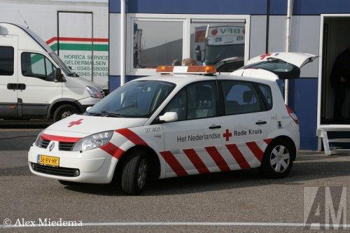 Foto van een Renault Scenic, opgebouwd voor personenvervoer.. Geplaatst door Alex Miedema op 31-10-2014 om 10:01:51, op TractorFan.nl - de nummer 1 tractor foto website.
