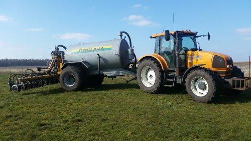 Foto van een Renault Ares 640 RZ. Afgelopen zaterdag eindelijk weer mest kunnen rijden. Geplaatst door Case5130 op 14-03-2016 om 07:10:50, op TractorFan.nl - de nummer 1 tractor foto website.