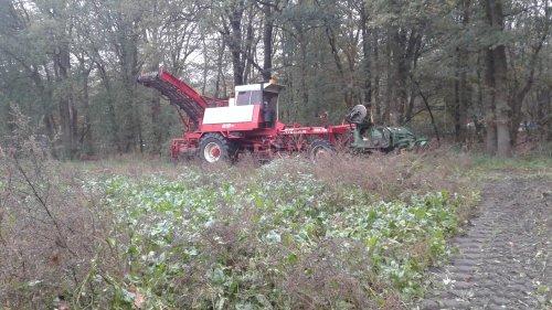 Foto van een Riecam RBM 230. Geplaatst door martijn-uitslag op 26-10-2018 om 21:47:33, op TractorFan.nl - de nummer 1 tractor foto website.
