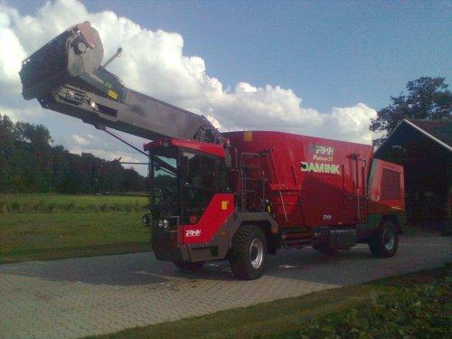R.M.H. Platinum 19. Geplaatst door NWFan op 09-07-2012 om 18:26:02, op TractorFan.nl - de nummer 1 tractor foto website.