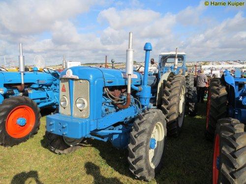Foto van een Roadless Ploughmaster 6/4 , Great Dorset steam fair 2019. Geplaatst door oldtimergek op 11-09-2019 om 09:39:12, op TractorFan.nl - de nummer 1 tractor foto website.