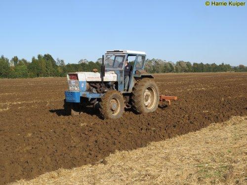 Foto van een Roadless Ploughmaster 95 , County en Roadless weekend 2019 Lilbourne.. Geplaatst door oldtimergek op 17-01-2020 om 16:11:28, op TractorFan.nl - de nummer 1 tractor foto website.