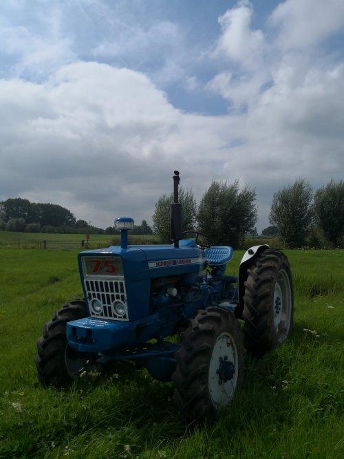 Roadless Ploughmaster 75 van fordsonpowernuf