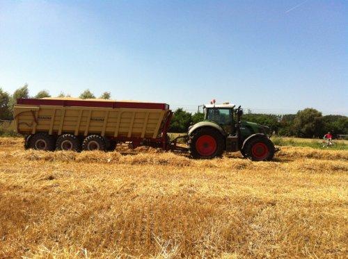 Roagna 3-asser in het graan. Geplaatst door timme936 op 14-08-2012 om 19:57:02, met 3 reacties.