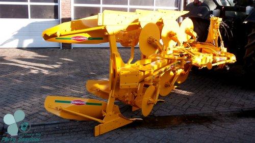 Foto van een RPV-140-480 Rumpstad Ploeg.  Foto gemaakt bij P. Kriesels Landbouwtechniek.. Geplaatst door perry-fendt op 29-12-2012 om 19:19:04, met 3 reacties.