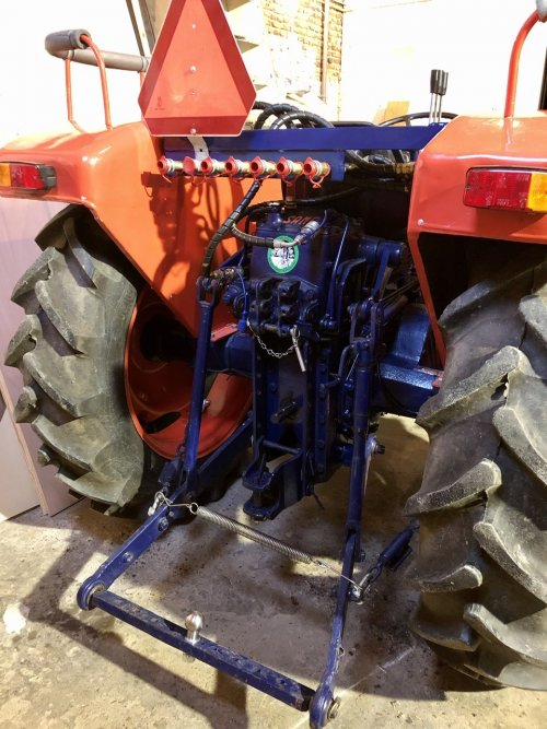 Same Minitauro 50 ombouw afneembaar hydrauliek systeem. Geplaatst door Dick van Driel op 16-02-2020 om 10:45:47, op TractorFan.nl - de nummer 1 tractor foto website.