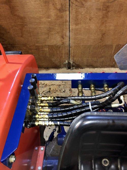 Same Minitauro 50 ombouw afneembaar hydrauliek systeem. Geplaatst door Dick van Driel op 16-02-2020 om 10:45:49, op TractorFan.nl - de nummer 1 tractor foto website.