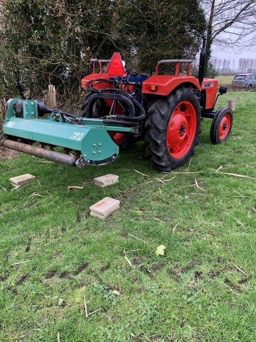 Same Minitauro 50 ombouw afneembaar hydrauliek systeem. Geplaatst door Dick van Driel op 16-02-2020 om 10:45:51, op TractorFan.nl - de nummer 1 tractor foto website.