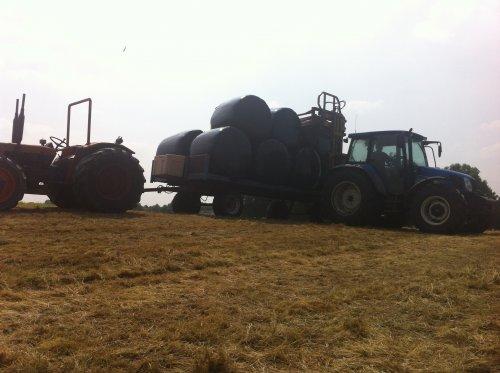 Foto van een Same Centauro 60, druk bezig met Balen halen. Volle pijp balen rijden. Geplaatst door boer op 11-07-2013 om 23:44:18, op TractorFan.nl - de nummer 1 tractor foto website.