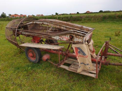 Foto van een Samro Aardappelrooier. Geplaatst door LG0enga op 07-06-2019 om 19:25:10, op TractorFan.nl - de nummer 1 tractor foto website.