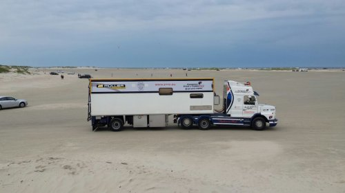 Foto van een Scania T142.. Geplaatst door Alex Miedema op 17-02-2016 om 15:32:08, op TractorFan.nl - de nummer 1 tractor foto website.