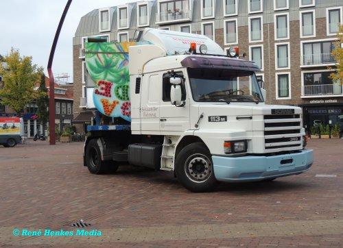 Foto van een Scania T113, opgebouwd voor speciaal transport.. Geplaatst door René op 04-09-2018 om 23:31:37, op TractorFan.nl - de nummer 1 tractor foto website.