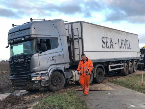 Foto van een Scania R500, opgebouwd voor bulktransport.. Geplaatst door Alex Miedema op 11-12-2018 om 16:37:56, op TractorFan.nl - de nummer 1 tractor foto website.