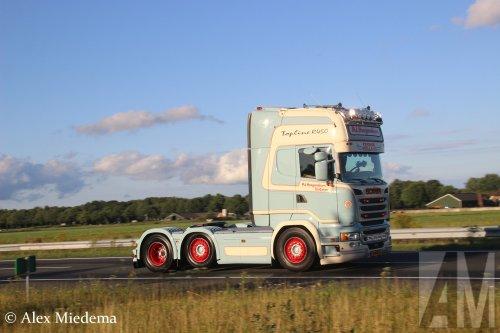Kijk, daar heb je P.J. Hoogendoorn Transport B.V. (Lunteren) × met een Scania R520, opgebouwd zonder opbouw.
