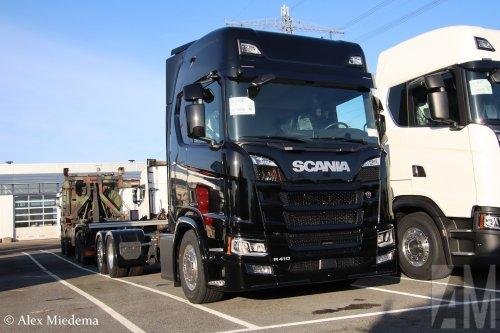 Foto van een Scania R410 (new) van Jumbo Supermarkten (Veghel) ×, opgebouwd zonder opbouw.. Geplaatst door Alex Miedema op 12-12-2019 om 14:39:01, op TractorFan.nl - de nummer 1 tractor foto website.