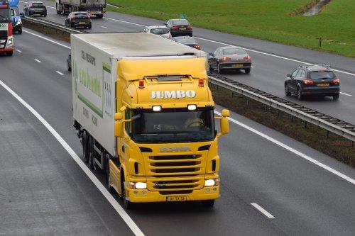 Kijk, daar heb je Jumbo Supermarkten (Veghel) × met een Scania G380, opgebouwd voor koeltransport.. Geplaatst door william-hamstra op 23-02-2020 om 12:35:29, op TractorFan.nl - de nummer 1 tractor foto website.