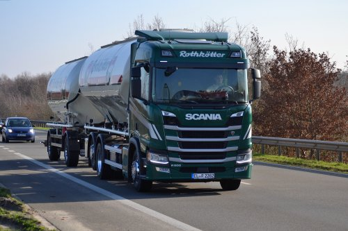 Kijk, daar heb je Rothkötter Mischfutterwerk GmbH (Meppen-Versen) × met een Scania R500 (new), opgebouwd voor bulktransport.