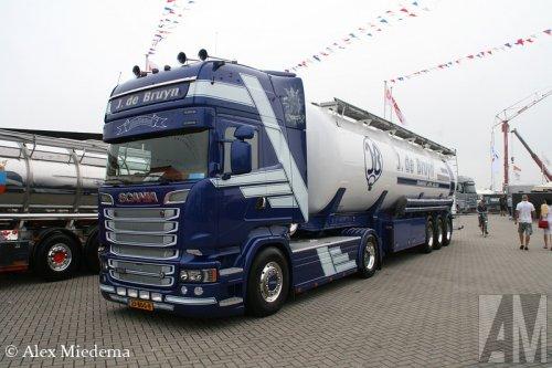 Foto van een Scania R580, opgebouwd voor bulktransport.. Geplaatst door Alex Miedema op 26-07-2014 om 21:39:11, op TractorFan.nl - de nummer 1 tractor foto website.