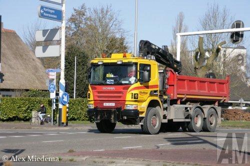 Foto van een Scania P380, opgebouwd als dumper / kipper.. Geplaatst door Alex Miedema op 10-03-2015 om 18:22:56, op TractorFan.nl - de nummer 1 tractor foto website.